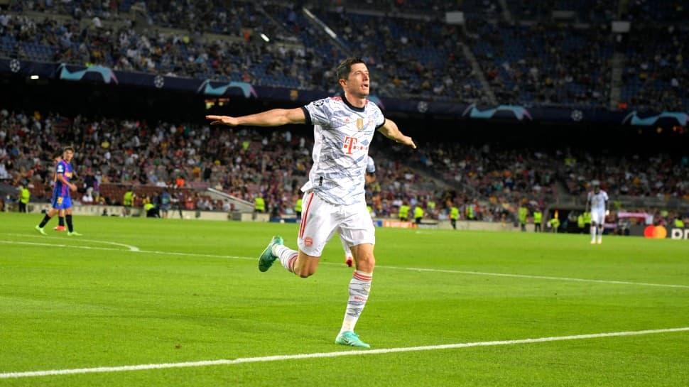 Robert Lewandowski double helps Bayern Munich thrash Barcelona in Champions League thumbnail