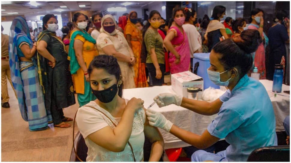 Woman in Sardhana CHC gets vaccinated for COVID-19 after four months of her death thumbnail