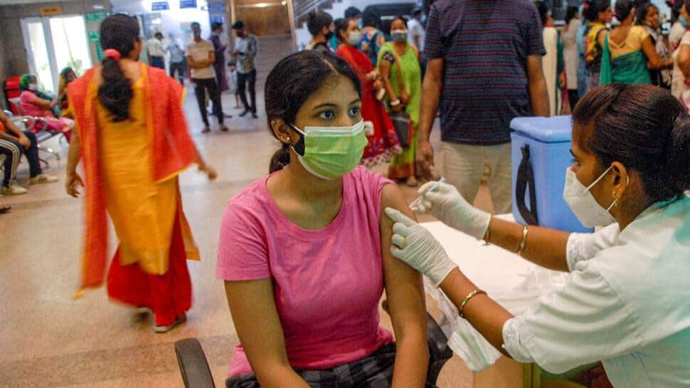 India records 27,176 new COVID-19 infections, less than 50,000 daily cases for 80 consecutive days thumbnail