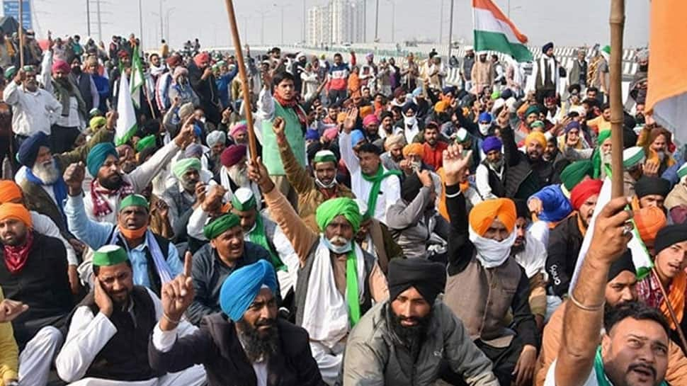 Farmers in large numbers heading towards Delhi borders to intensify protest against farm laws thumbnail