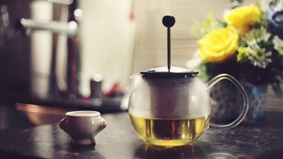 Green tea, cocoa-rich diet may help boost survival in elderly thumbnail