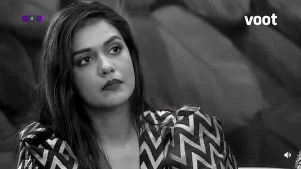 Bigg Boss OTT: Divya Agarwal called mysogynist for attacking Neha Bhasin over 'dirty underwear'