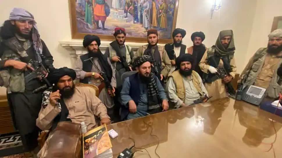 UN official meets Afghan terrorist-turned-minister Sirajuddin Haqqani to discuss humanitarian aid thumbnail