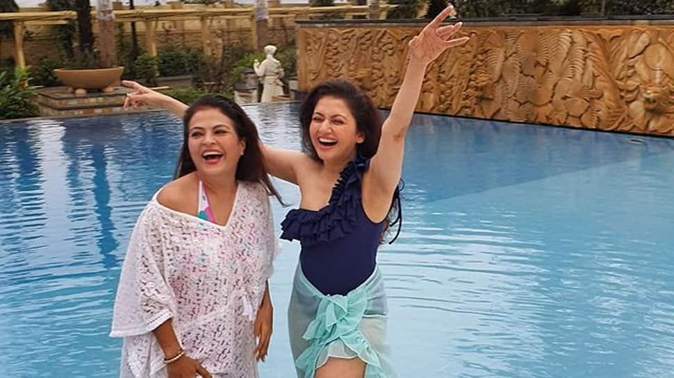 Salman Khan's Maine Pyar Kiya co-star Bhagyashree defies age in latest pool pics, rocks black monokini at 52!