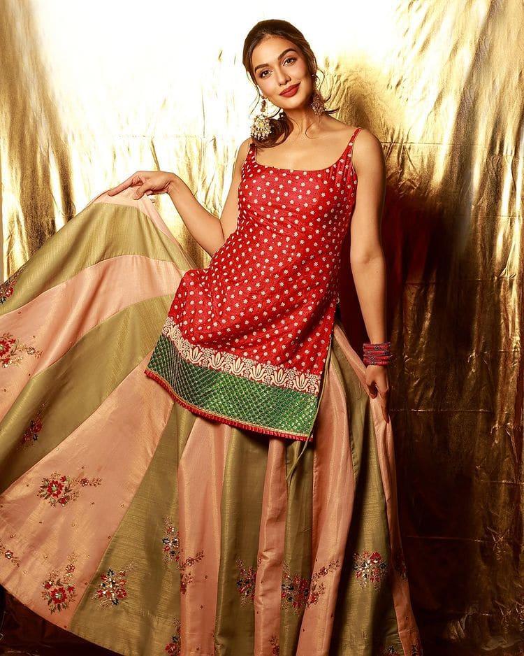 Divya looks a boho chic in modern lehanga set