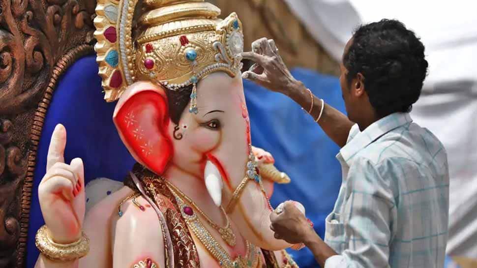 Ganpati Visarjan on last day of Ganesh chaturthi