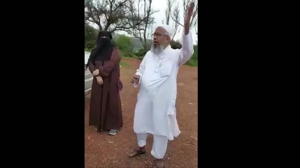 'Aisa desh hai mera', Twitterati react to elderly Muslim man's rendition of iconic Mahabharata title song
