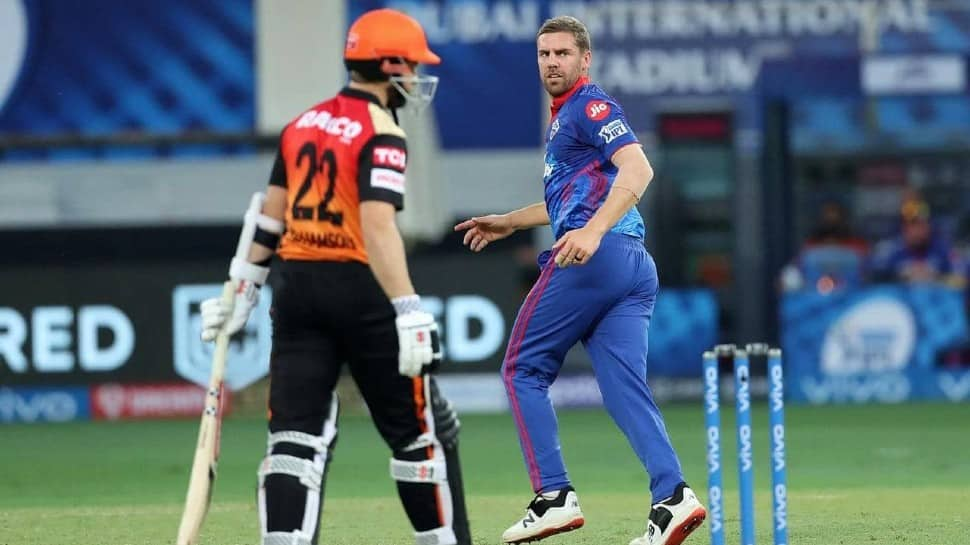Anrich Nortje delivers fastest ball 8 times in IPL 2021 tie, Aakash Chopra says, 'Over-speeding pe challan kato' thumbnail
