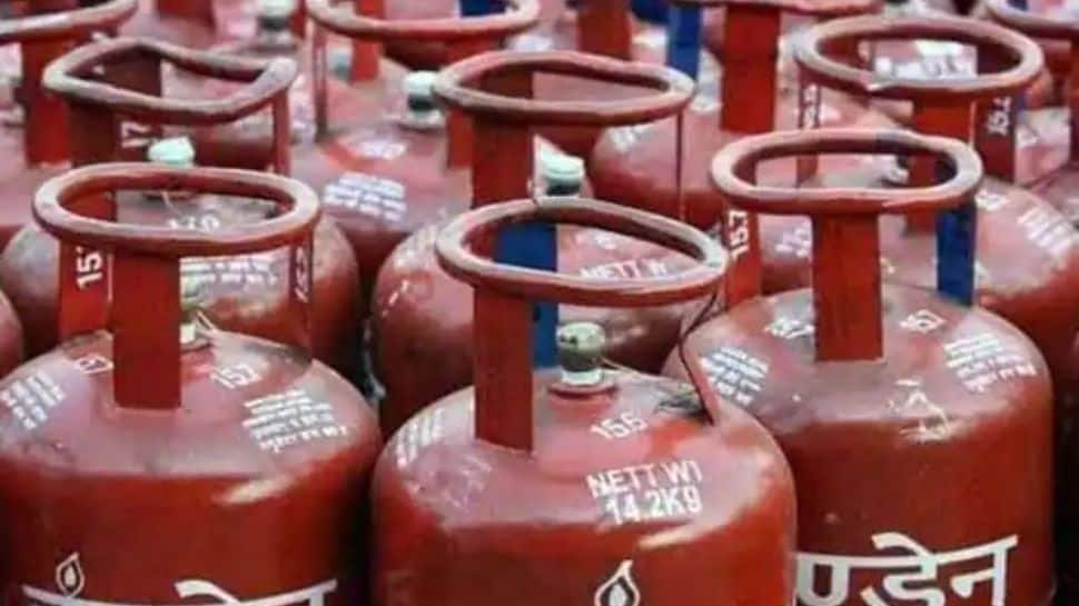 LPG Subsidy: Centre to plan new scheme for cooking gas cylinders? Here's how consumers can benefit thumbnail