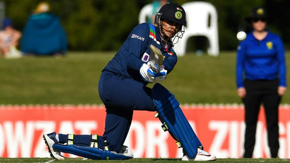 India women vs Australia women: Smriti Mandhana's fifty guides visitors to 274 in second ODI thumbnail