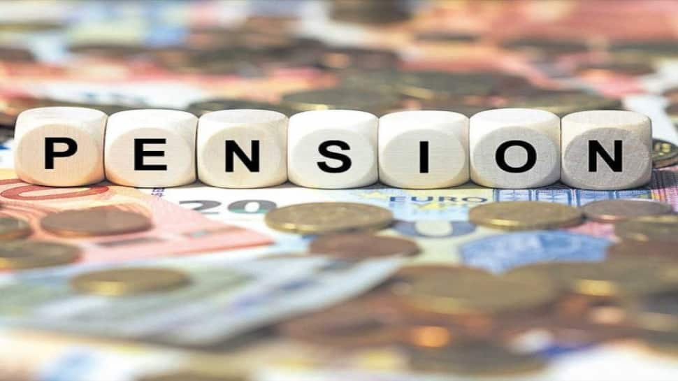 Central Government Employees' pension to stop after attaining 70 years? Know the truth thumbnail