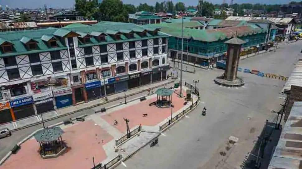 COVID-19 lockdown imposed in parts of Srinagar for 10 days, check guidelines thumbnail