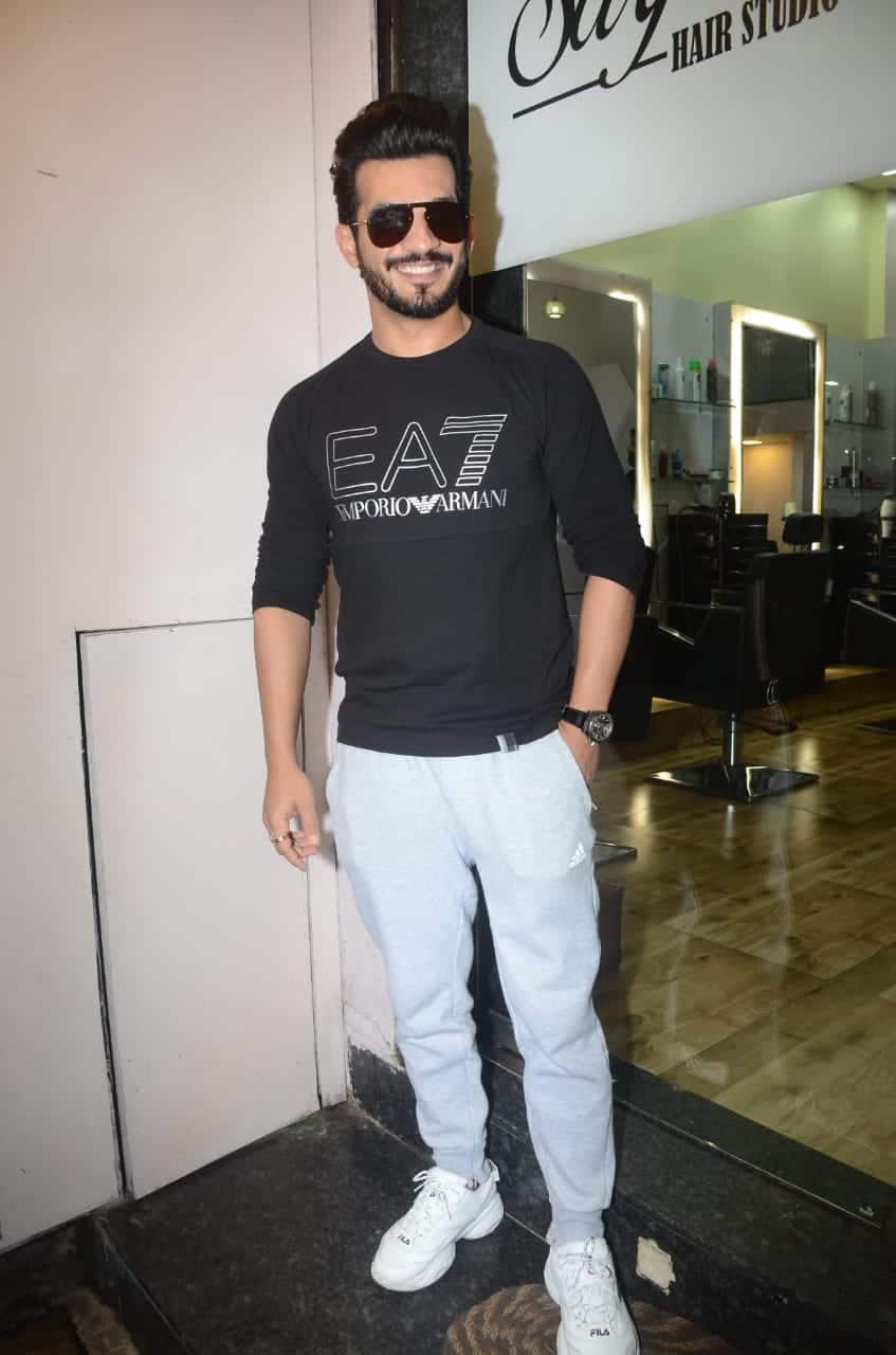 Arjun Bijlani spotted outside salon in Mumbai