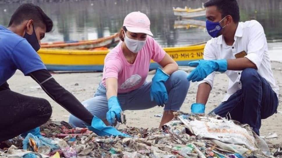 Jacqueline Fernandez goes beach cleaning as Swachh Bharat Abhiyan turns 4
