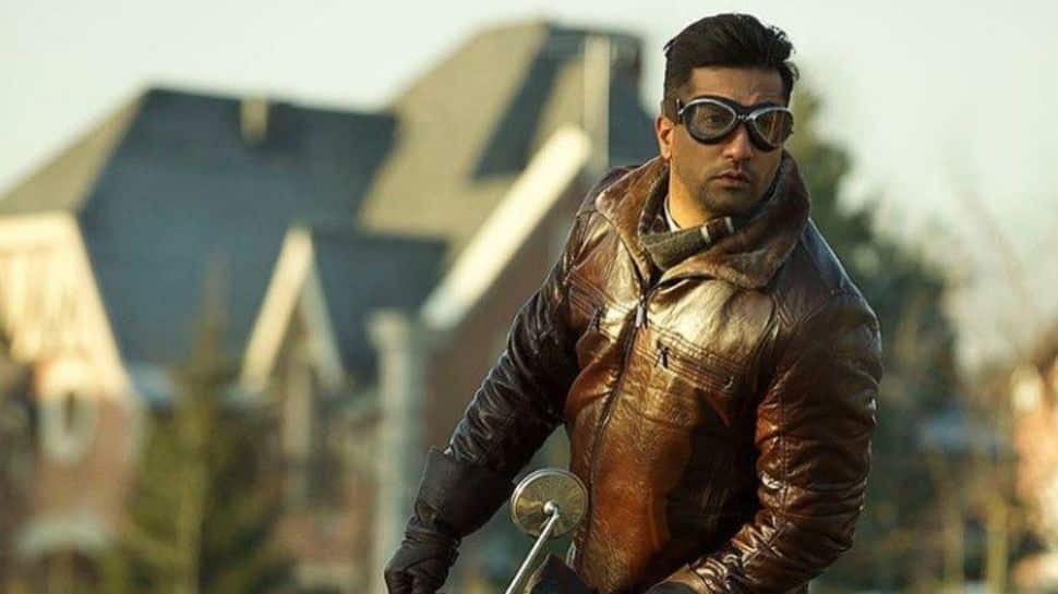 Vicky Kaushal intrigues fans with another jaw-dropping look from 'Sardar Udham'!