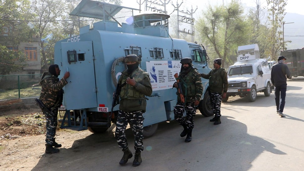 Two terrorists killed in separate operations in Jammu and Kashmir`s Anantnag, Bandipora thumbnail