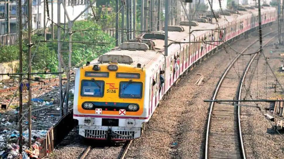 Railways spends Rs 12000 crore a year to clean 'gutkha' stains, comes up with new plan thumbnail