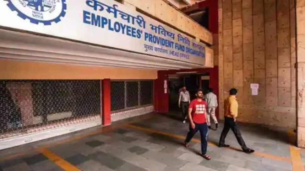 Provident Fund: 6 crore PF subscribers to receive 8.5% interest before Diwali. Here's how to check EPF balance thumbnail