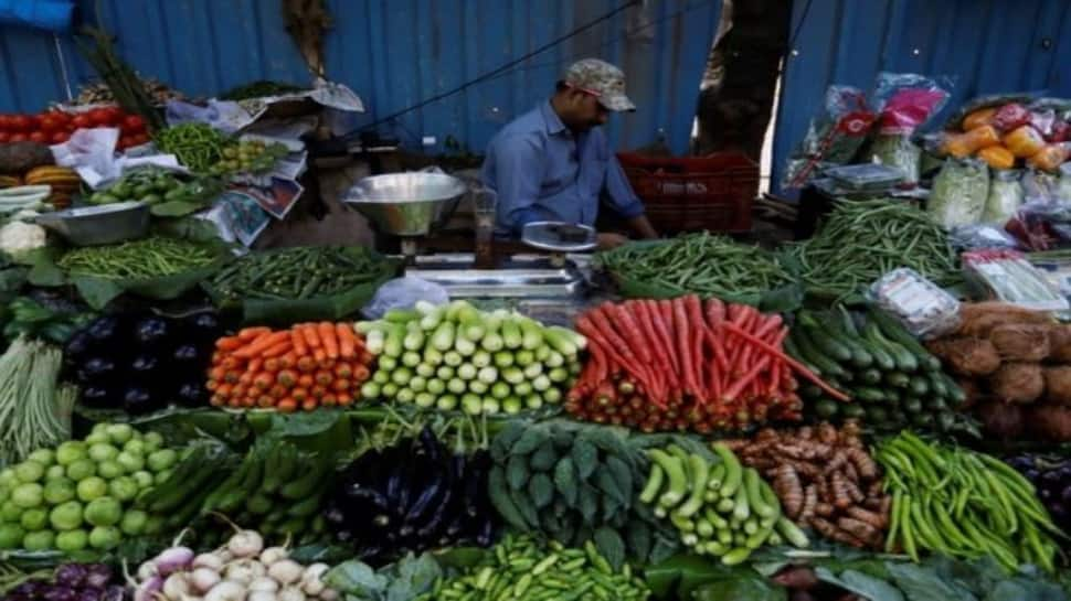 Retail inflation falls to 4.35% in September; lowest in five months thumbnail