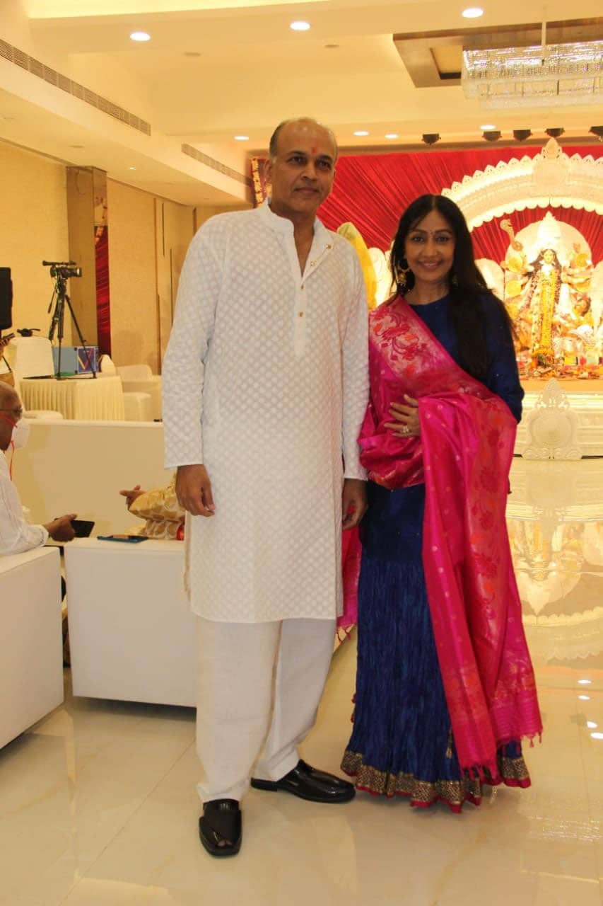 Ashutosh Gowariker with wife at Durga Puja 2021