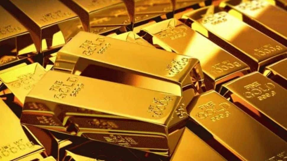 Gold Price Today: Gold selling cheaper by Rs 9,000 from record highs, right time to buy amid festivities? thumbnail