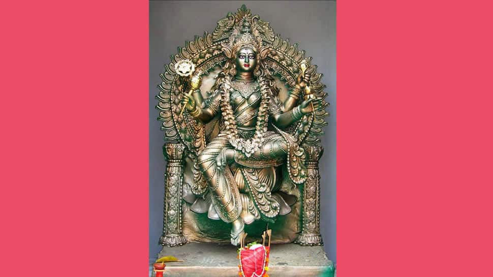Navratri 2021, Day 9: Worship Maa Siddhidhatri for wish fulfillment on Navmi, chant her mantras! thumbnail