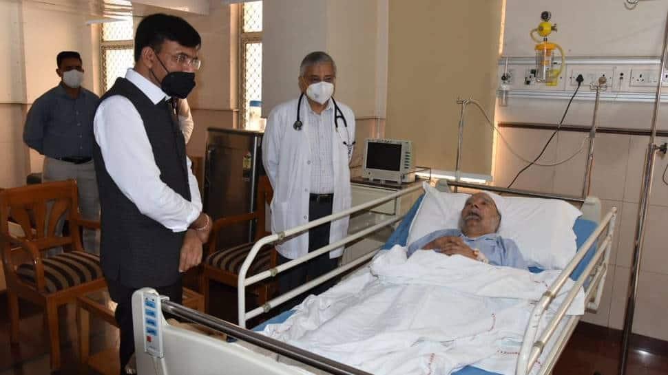 PM Narendra Modi wishes Manmohan Singh a 'speedy recovery', Mansukh Mandviya visits former PM at AIIMS  