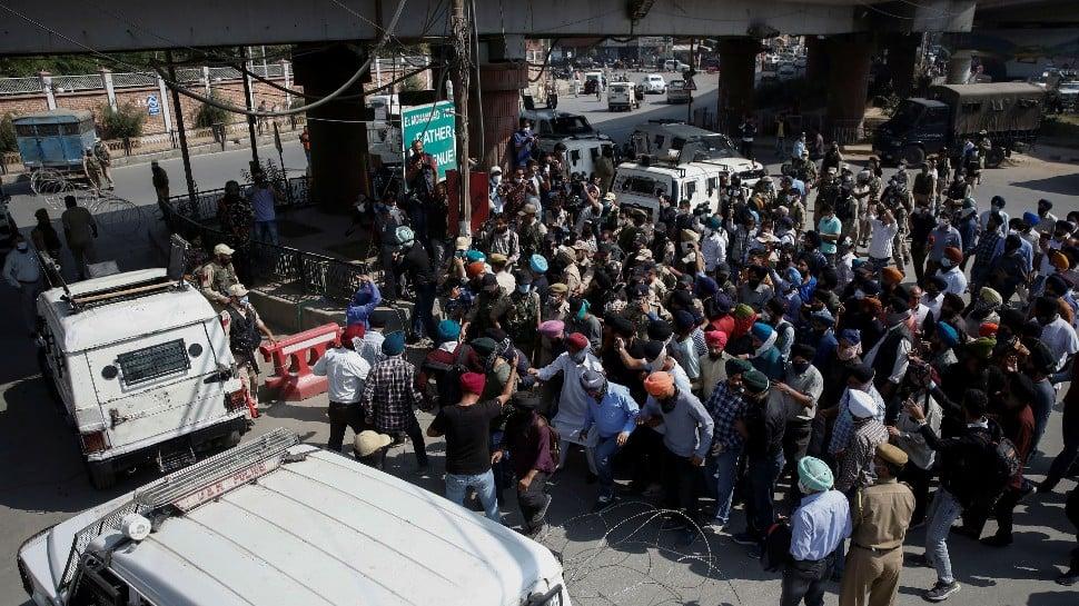 Majority community comes forward to support minorities to save 'Kashmiriyat' thumbnail