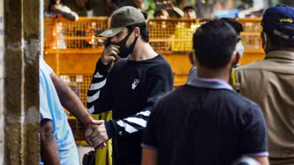 Aryan Khan speaks to parents Shah Rukh, Gauri Khan via video call from jail