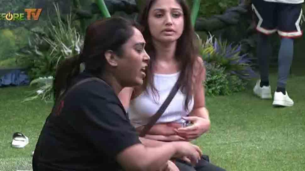 Bigg Boss 15 Day 16 written update: Afsana Khan kicks Akasa Singh, calls Shamita 'Gandi Aurat'