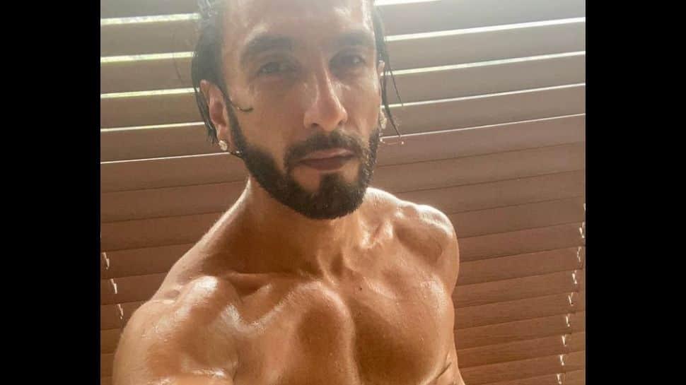 Ranveer Singh looks ripped in steamy selfie, Pooja Hegde leaves cheeky comment on his towel! thumbnail