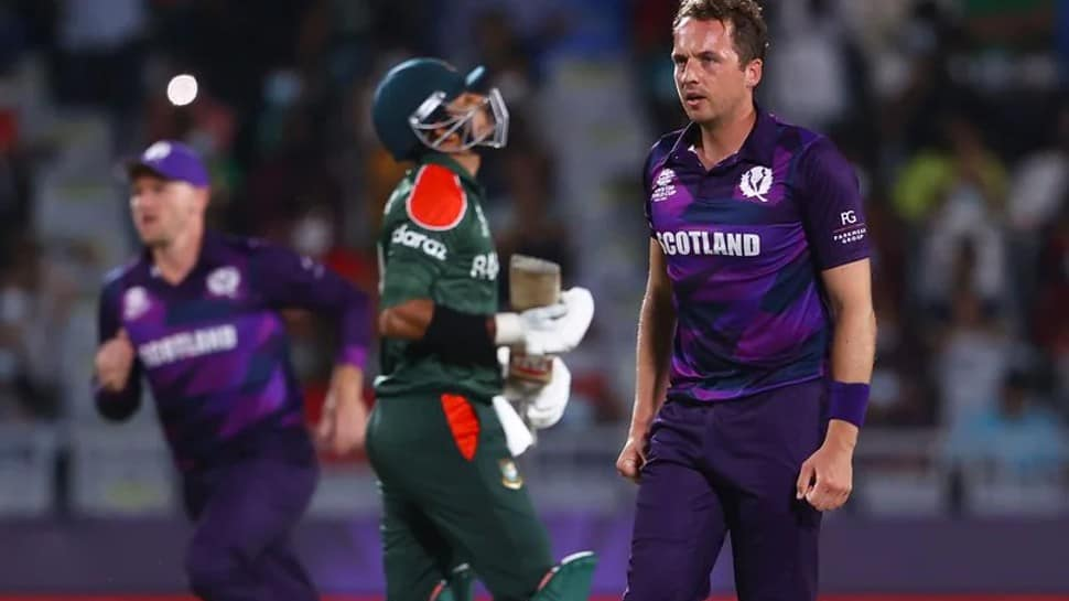 T20 World Cup 2021: Scotland stun Bangladesh by 6 runs in a thriller thumbnail