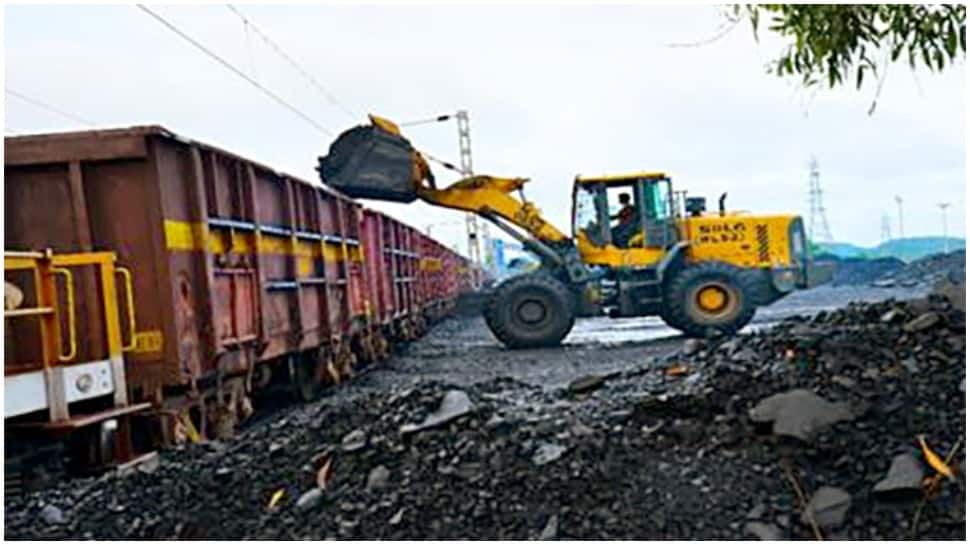 Famers' 'Rail Roko' protest hindered coal train movement amid shortage: Govt officials thumbnail
