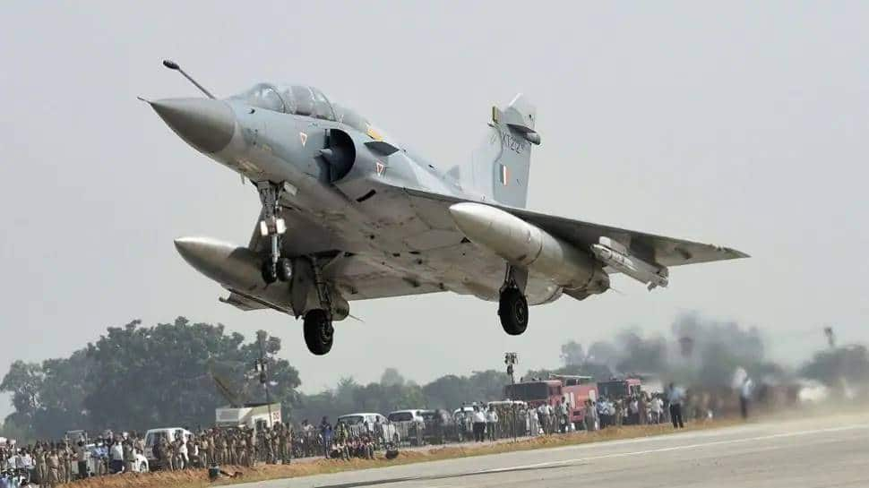 IAF Mirage aircraft crashes at Bhind in MP, pilot ejects safely thumbnail