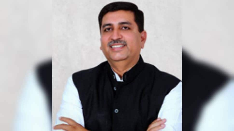 Congress appoints Harish Chaudhary new in-charge for Punjab thumbnail