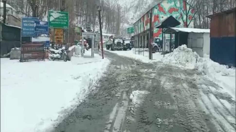 Jammu-Srinagar National Highway closed due to heavy rains thumbnail