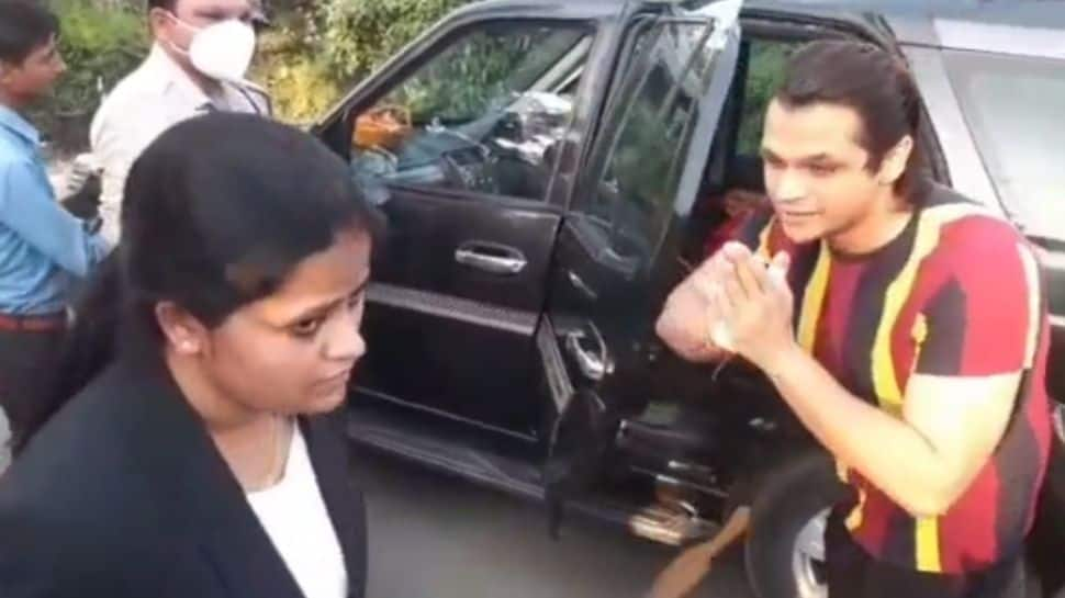 Madhya Pradesh Minister's son seen folding hands when his car stopped during checking, video goes viral - Watch thumbnail