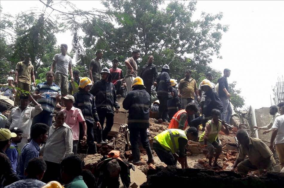 building collapsed in Mumbai