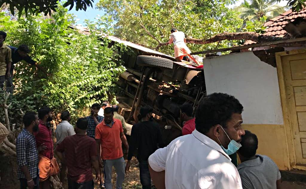 Bus falls on house, 6 killed