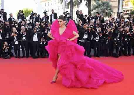 Deepika Padukone or Beyonce: Who wore the pink Ashi Studio ...