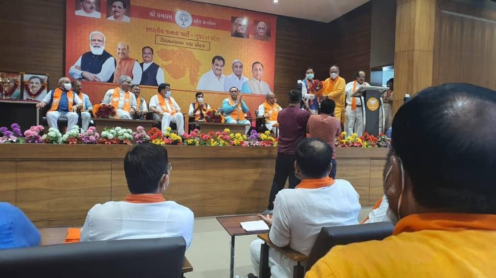 Gujarat-CM-BJP-meeting