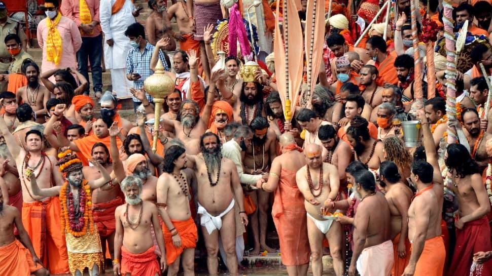 Niranjani Akhada saints during second 'Shahi Snan' of Maha Kumbh, at Har ki Pauri in Haridwar.