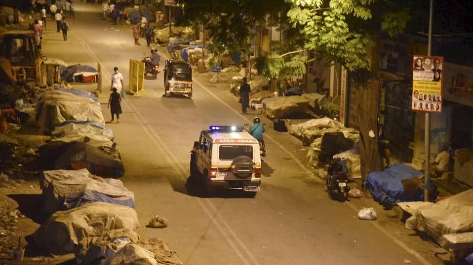 Delhi night curfew: Kejriwal govt exempts departments providing essential  services | India News | Zee News