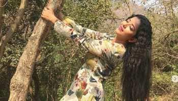 Monalisa is the perfect jungle beauty in a floral dress-See pic