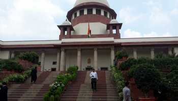 Two Independent Karnataka MLAs move SC for compulsory floor test on Monday