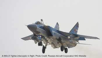 Two Russian MiG-31BM fighters conduct dogfight 20 km above earth in stratosphere