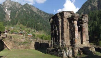 Why has Pakistan not offered passage to ancient Hindu temple Sharda Peeth?