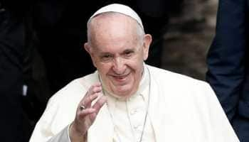 Pope Francis takes high-profile trip to Iraq, believes God will protect country from pandemic