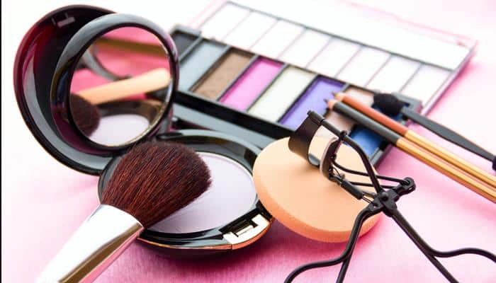 Makeup Tips to attain a chiseled-face look