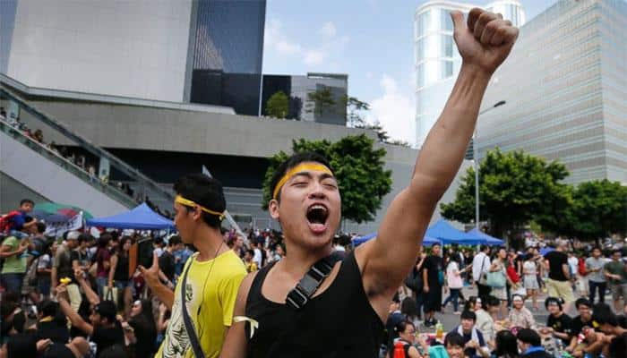 Hong Kong prepares to clear main pro-democracy protest site